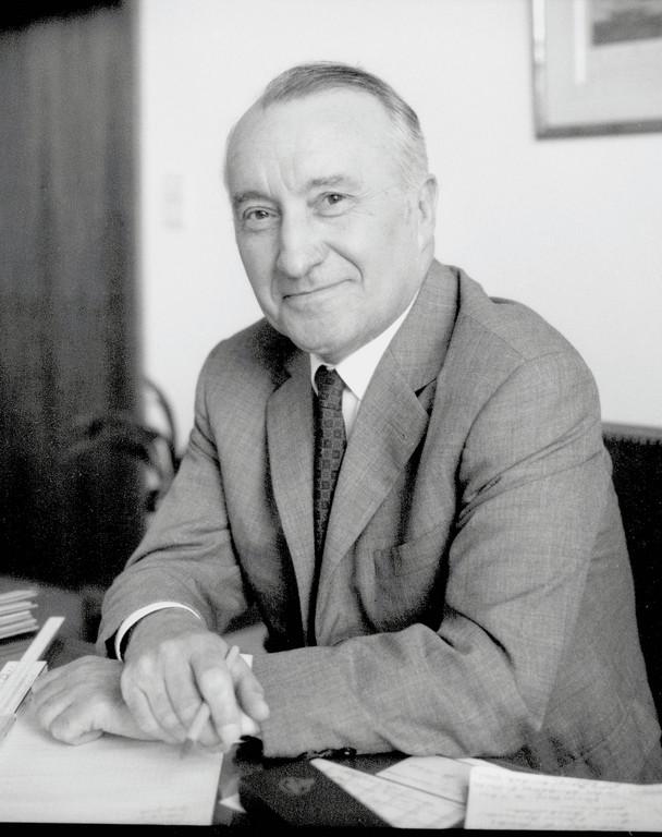 Dr. Ludwig Kraus.