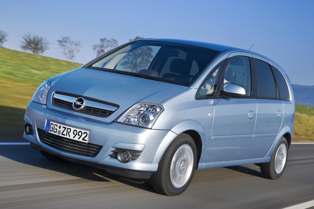 Eigentlich ist der Meriva ein Auto für Familien. Doch was für die Kinder und Enkelkinder gut ist, kann für die Großeltern nicht