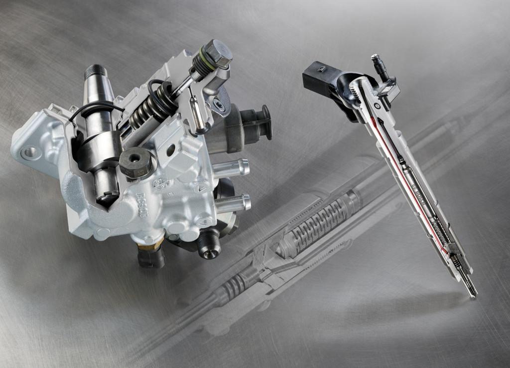 Für Motoren mit höchster spezifischer Leistung über 75 Kilowatt je Liter Hubraum ist das technisch aufwändigere Common-Rail- System CRS3 mit Piezo-Injektoren konzipiert.