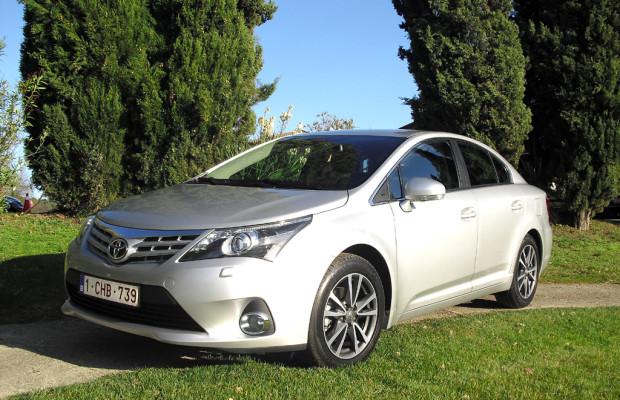 Grundsolide Mittelklasse: Toyota lässt aktualisierten Avensis im Januar starten