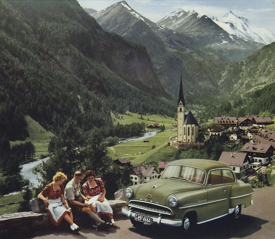 Im Opel zum Großglockner: Fahrzeuge wie der Olympia Rekord (1955).