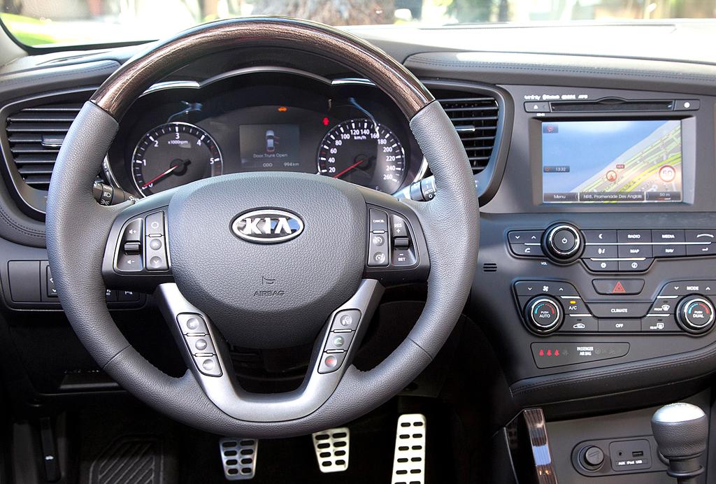 Kia Optima: Blick ins Cockpit.