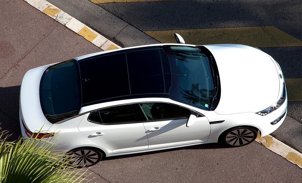 Kia Optima: So sieht die formschöne Limousine von oben aus ...