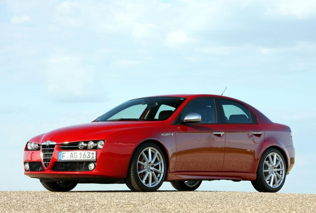 Laut DAT-Liste bekommen beim Alfa 159 nur die Modelle 1.8 16V, 1.8 TBI 16V sowie 3.2 JTS V6  aller Baujahre eine E10-Freigabe. Demnach vertragen 1,9 JTS 16V und 2,2 JTS 16V den neuen Kraftstoff nicht. - Bild