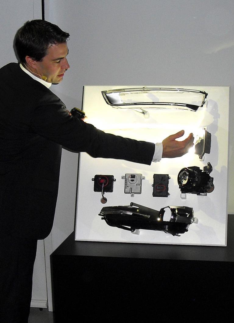 Lichtentwickler Manuel Brosinger erklärt Audis Lichttechnologien.