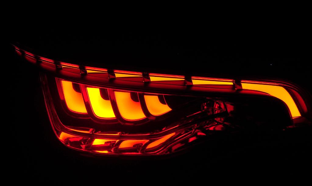 Mit neuer Lichttechnik will Audi neue Sicherheitsakzente setzen.