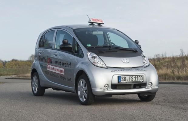 Peugeot iOn jetzt auch als Fahrschulwagen