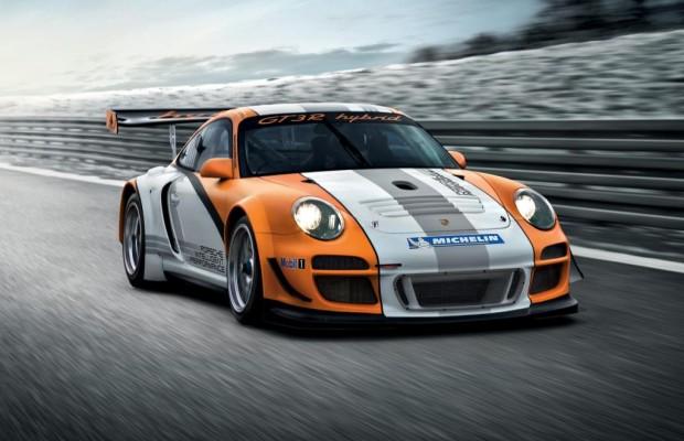 Porsche bleibt mit 911 GT3 R Hybrid auf der Rennstrecke