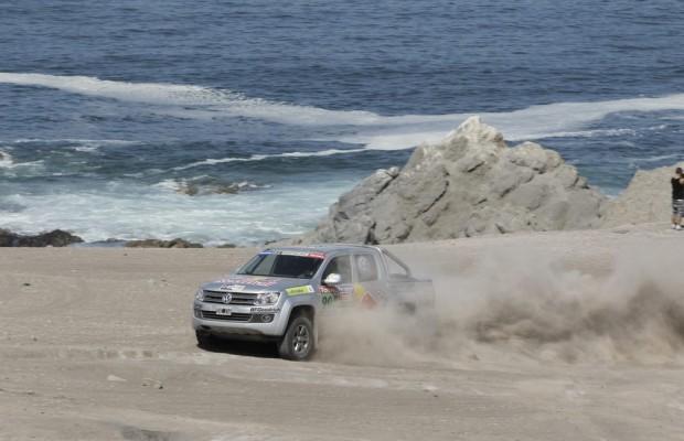 Prominente testen Amarok auf der Rallye Dakar