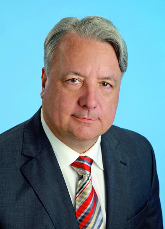 Reinhart Fabian.