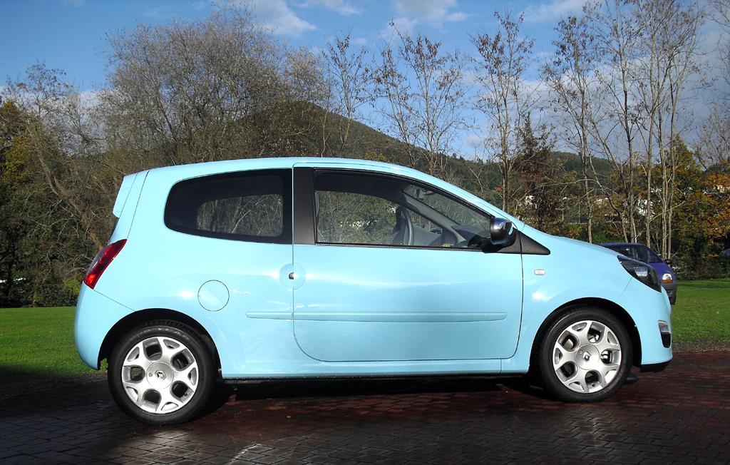 Renault Twingo: Und so sieht der kleine Frauenschwarm von der Seite aus.