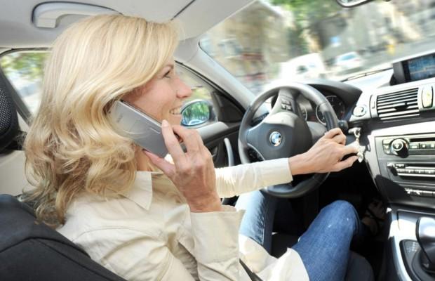Verkehrssicherheit - USA planen Freisprechverbot am Steuer