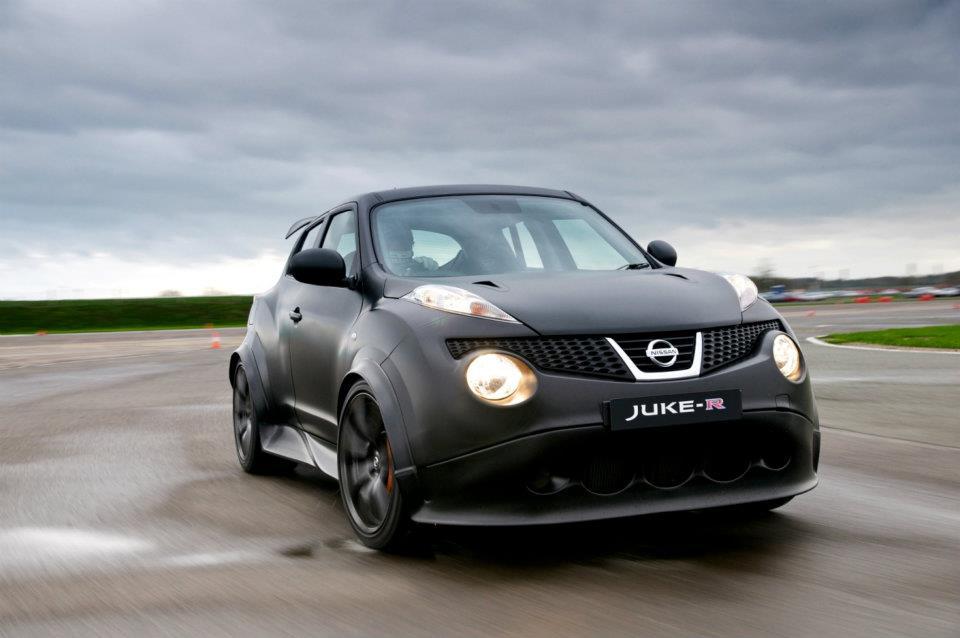 Weltpremiere Nissan Juke R - Schwarzer Kuglblitz | Foto: Nissan