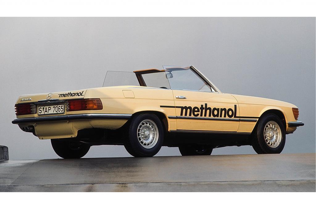 1974 experimentierte Daimler beim SL mit Methanol-Sprit