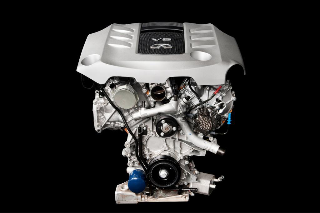 Anstatt sich diskret zurückzuhalten, ist der V6-Diesel im unteren Geschwindigkeitsbereich akustisch omnipräsent