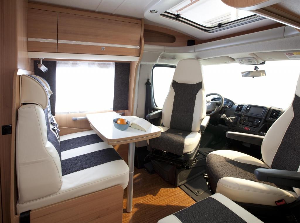 CMT 2012 Stuttgart: Reisemobil-Premiere AdvanTEC 644 G Energy 55