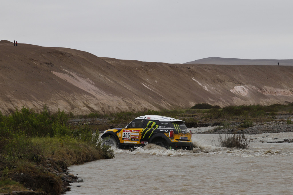 Dakar 2012: Dreifachsieg für X-raid