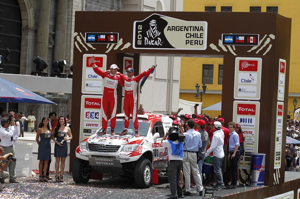 Dakar 2012: Giniel de Villiers und Dirk von Zitzewitz belegten im Toyota Hilux den 3. Platz.
