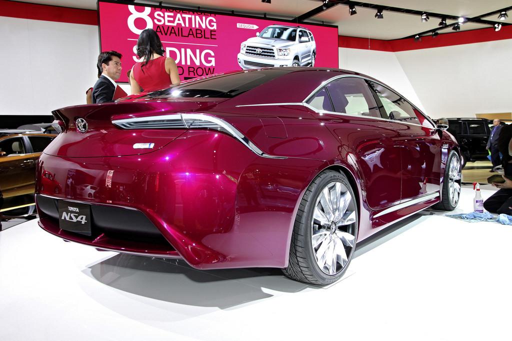 Detroit 2012: Toyota blickt  mit dem NS4 in die Zukunft