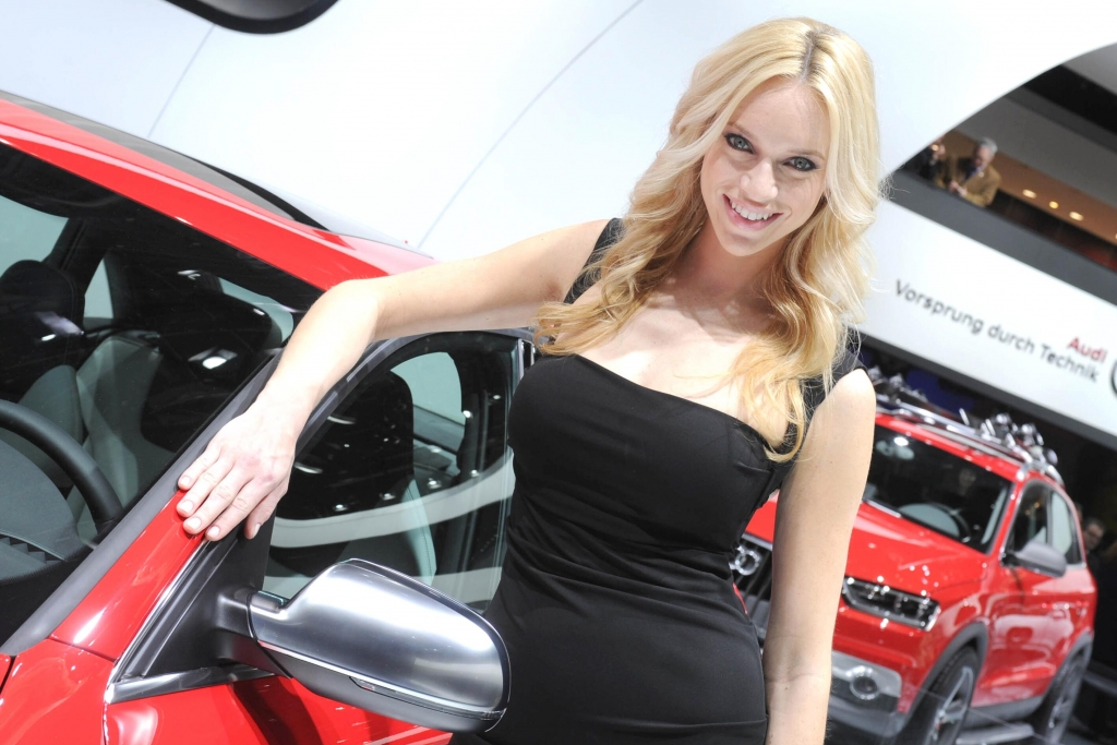 Detroit 212: Cars and Girls