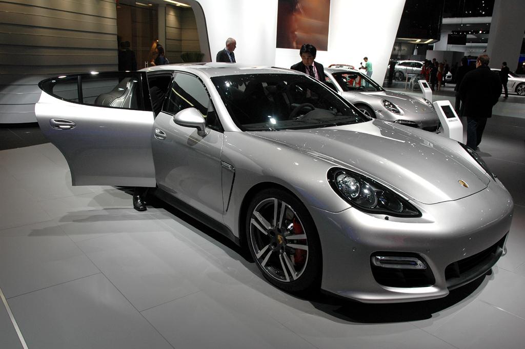 Deutsche Autobauer in den USA, hier Porsche mit Panamera GTS gerade in Detroit.
