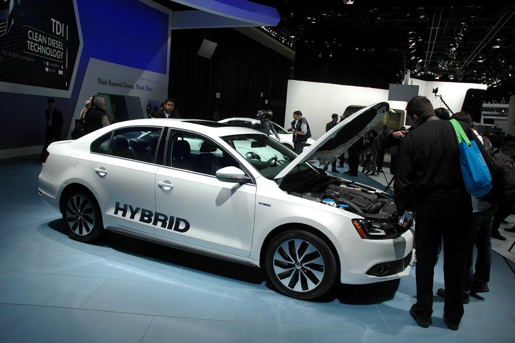 Deutsche Autobauer in den USA, hier VW mit Jetta-Hybrid-Studie gerade in Detroit.