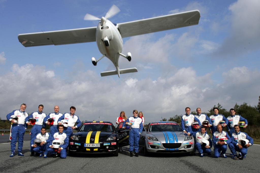 Die bei den RX-8 bei der 24-Stunden-Weltrekordfahrt in Papenburg