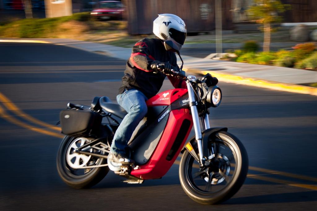Elektro-Motorrad-Hersteller Brammo baut Vertriebsnetz für Europa auf