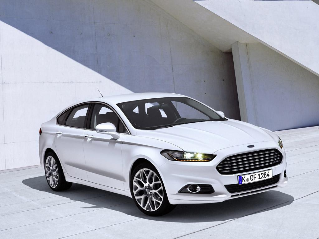 Fords nächster Mondeo sieht mit Evos-Front wirklich schick aus.