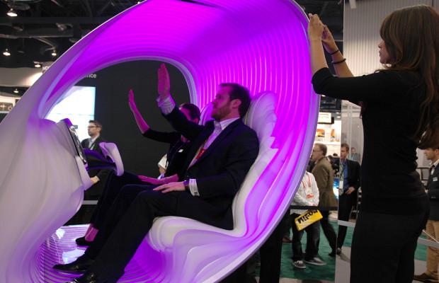 Handbewegung genügt: Interaktives und intuitives Mercedes-Bedienerlebnis