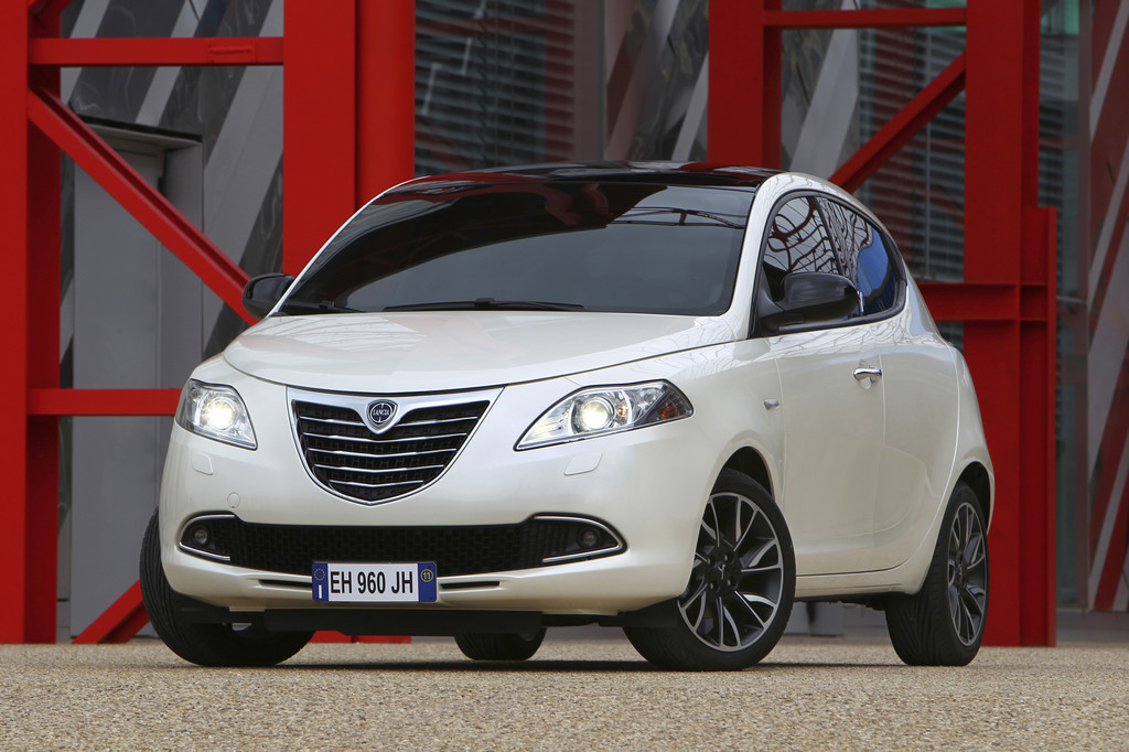 Lancia und Jeep lieferten 2011 ein starkes Plus