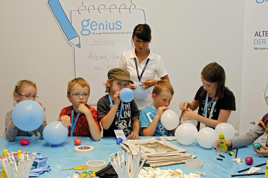 Mercedes-Benz-Museum bietet Workshops für Kinder