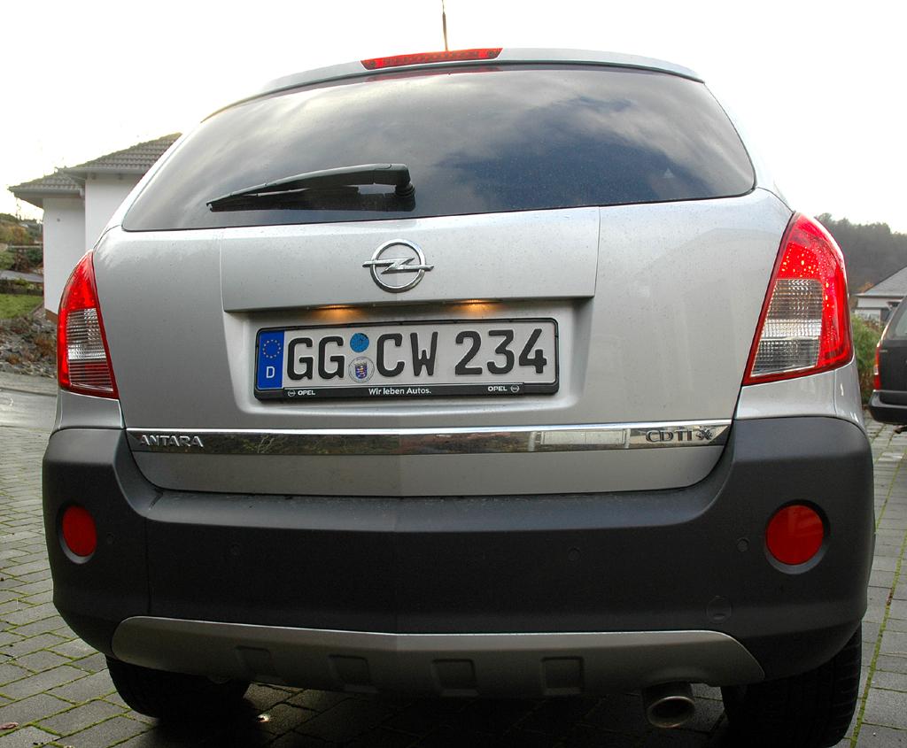 Opel Antara: Blick auf die Heckpartie.