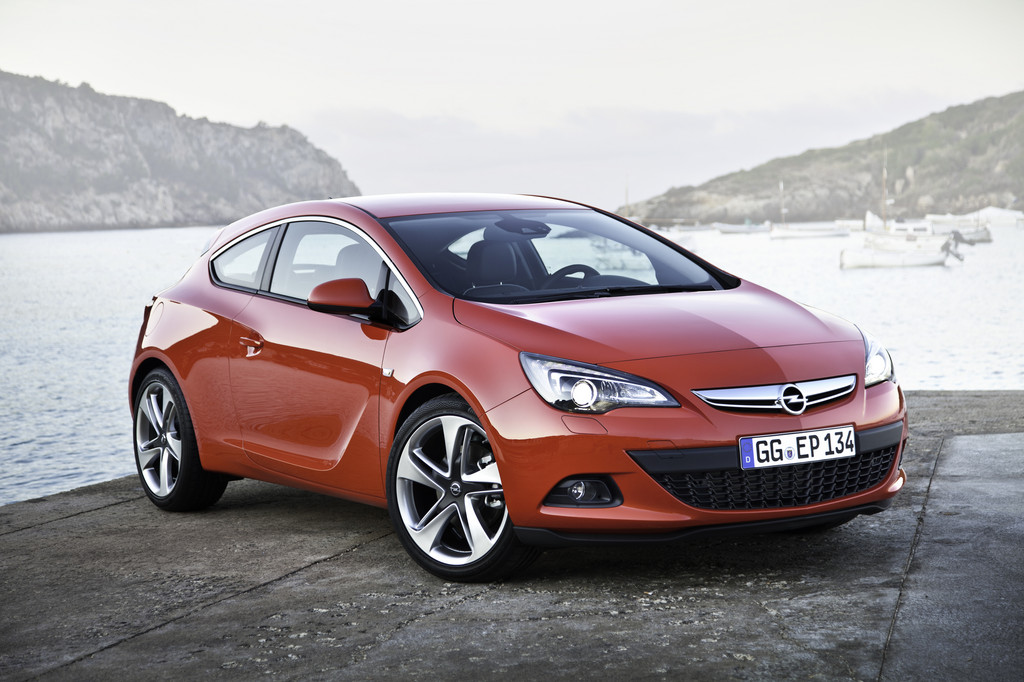 Opel Astra GTC.