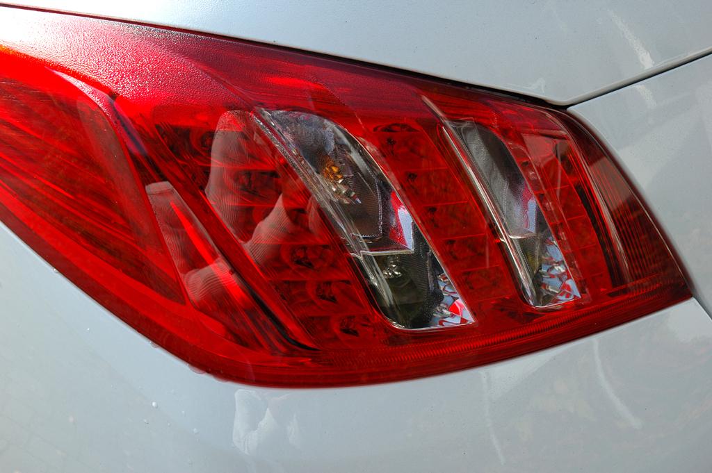 Peugeot 508: Moderne Leuchteinheit hinten.