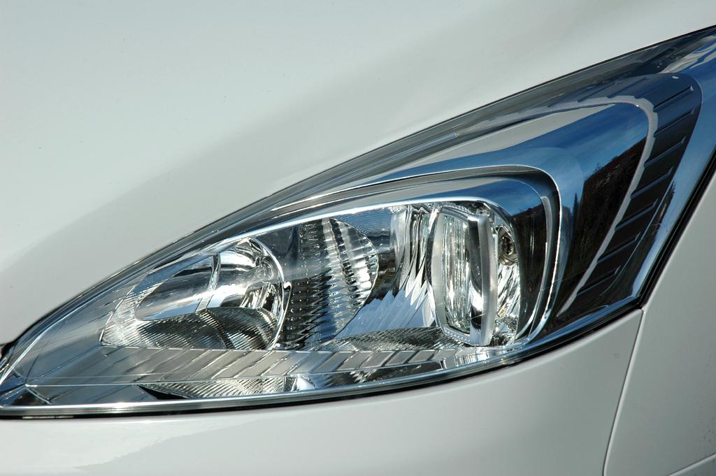 Peugeot 508: Moderne Leuchteinheit vorn.