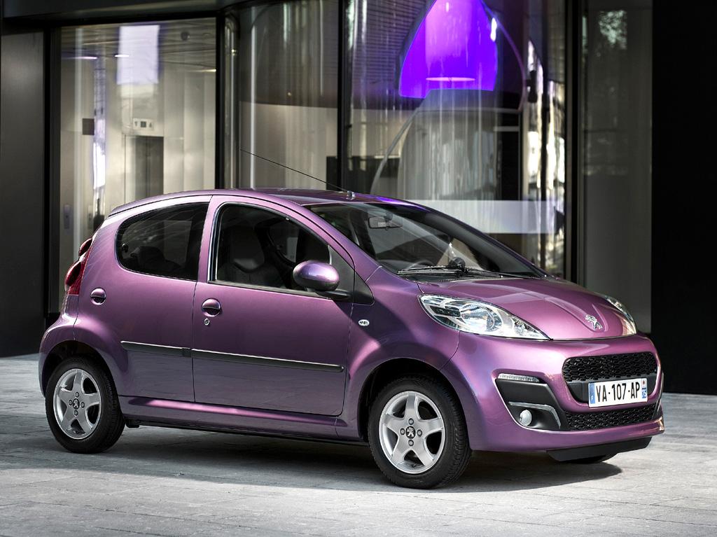 Peugeot legt sein Einstiegsmodell 107 neu auf.