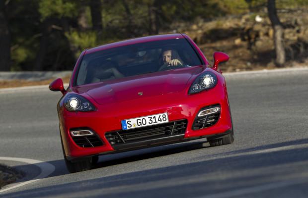 Qatar 2012: Porsche präsentiert Panamera GTS