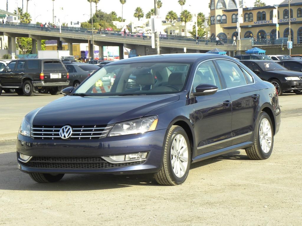 Qatar 2012: Volkswagen zeigt in Katar den US-Passat