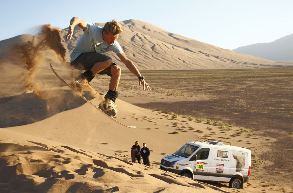 Sandsurfing in Chile: Klaas Voget.