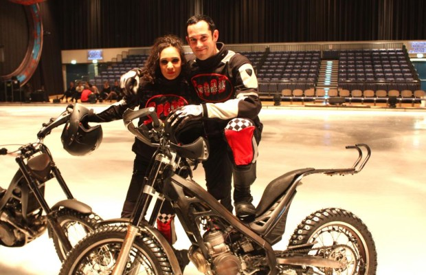 Speed: Mit Trial-Motorrädern übers Eis