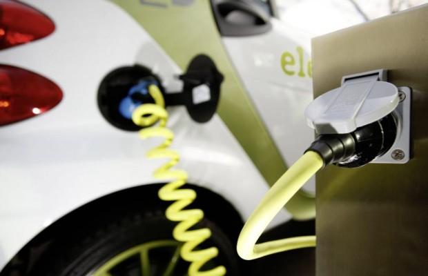 Super-Batterie - Benziner-Reichweite für E-Autos