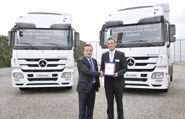 Türkischer Großhändler bestellt 150 Mercedes-Benz Actros