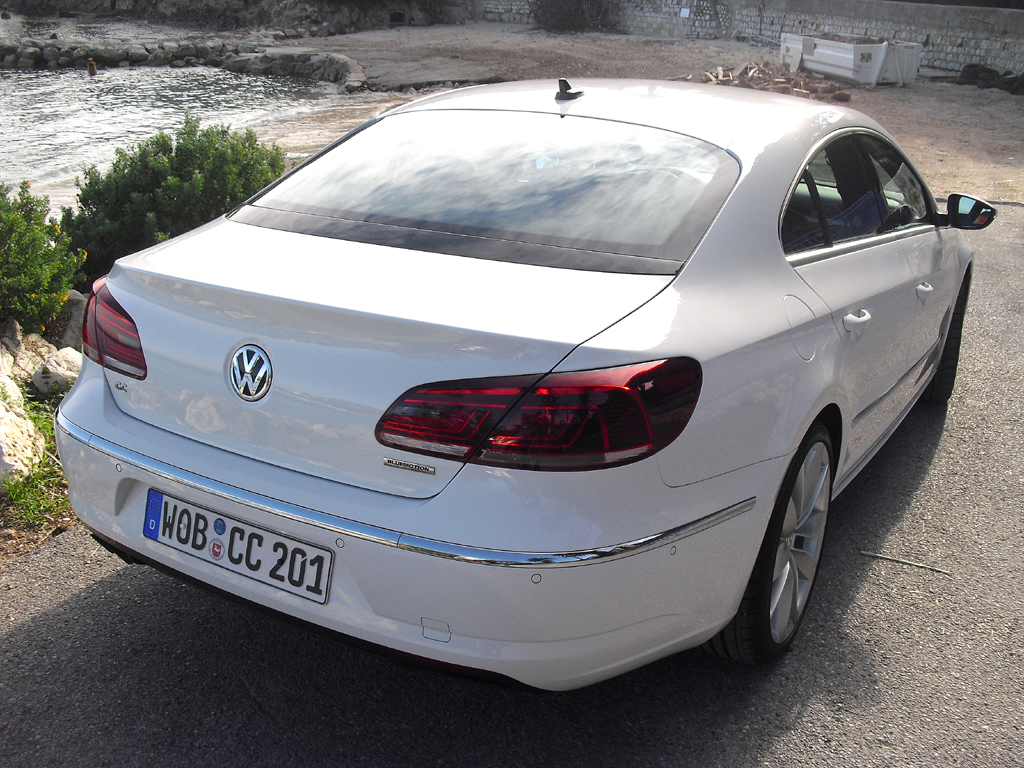 VW CC: Blick auf die Heckpartie.