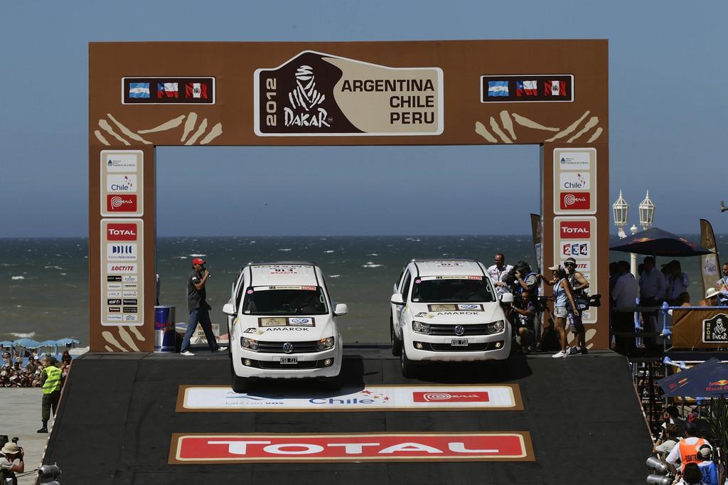 Volkswagen stellt Begleitfahrzeuge für die Dakar