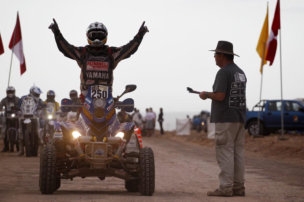 Yamaha-Fahrer Alejandro Patronelli jubelt.