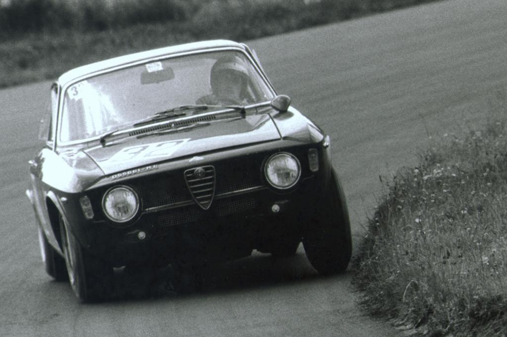 Alfa Romeo Giulia Coupe 1300 GTA Junior Corsa
