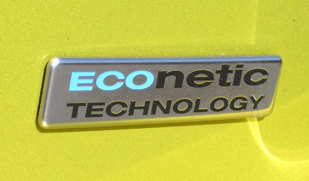 Auch der kleine Benziner reiht sich in die Econetic-Technologie der Kölner ein.