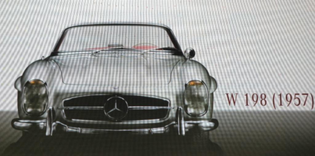 Auch schon eine Ikone: SL Roadster aus dem Jahr 1957.