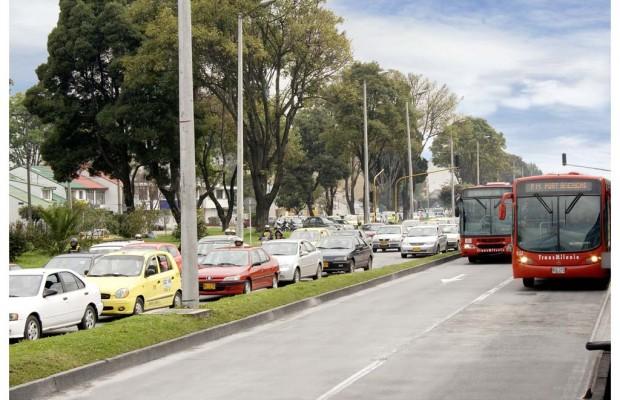Daimler montiert Busfahrgestelle in Kolumbien
